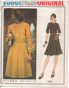 "1970's Vogue Paris Original One Piece dress with flared skirt - Pierre Balmain - UC/FF - Bust 36"" - No. 2943"
