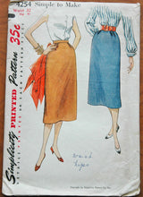 "1950's Simplicity Slim Skirt Pattern - Waist 32"" - No. 4254"