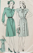 1940's Hollywood Shirtwaist Dress with Bow Detail Pattern - Bust 32 - No. 1577