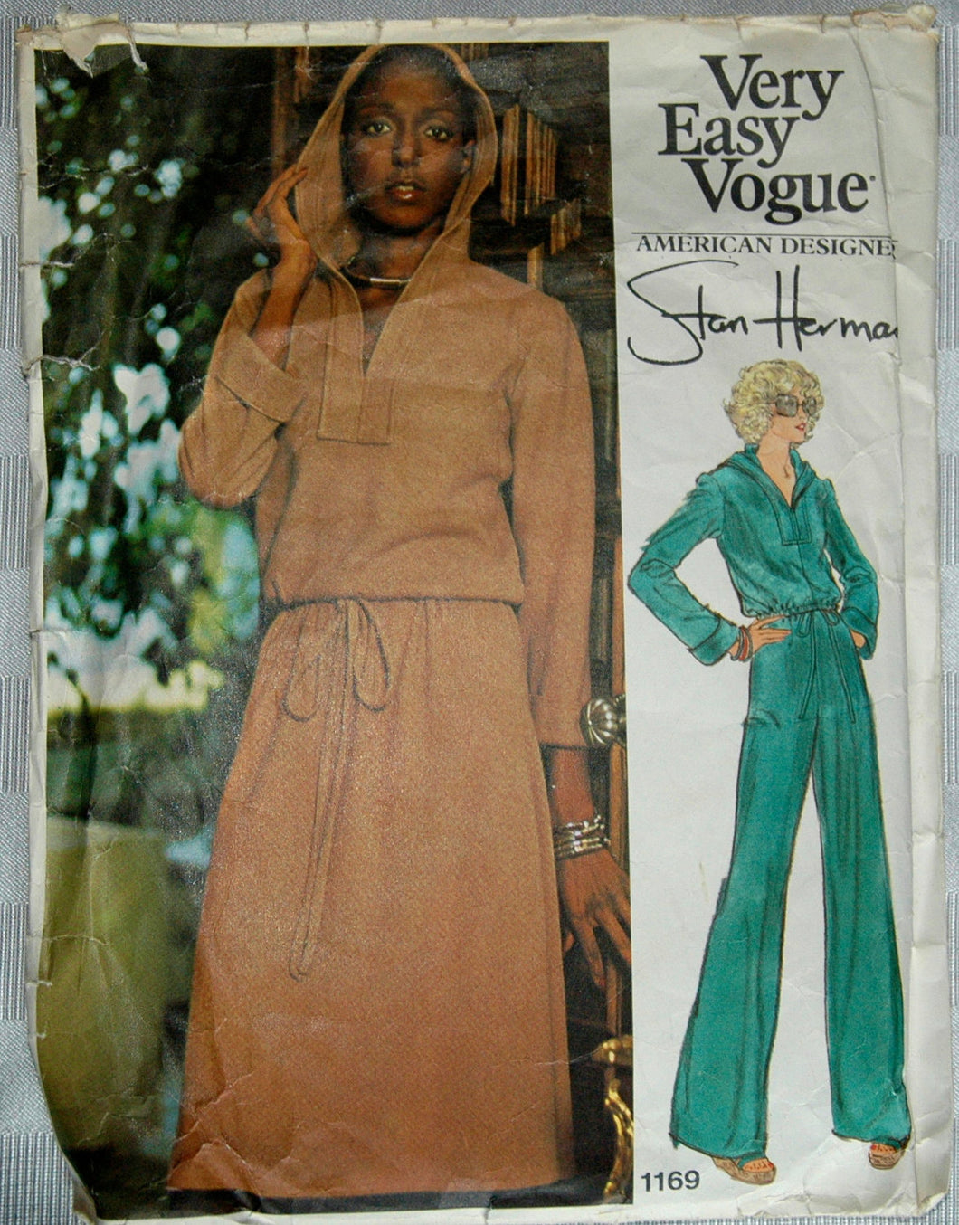 1970's Vogue American Designer Top, Skirt and Pants Pattern - Bust 31 1/2 - no. 1169