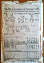 1940's Advance Women's Shirtwaist Dress - Bust 36 - no. 3829