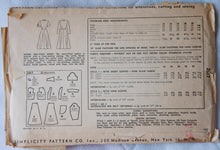 1940's Simplicity Button-front dress pattern - Bust 32 - No. 2617