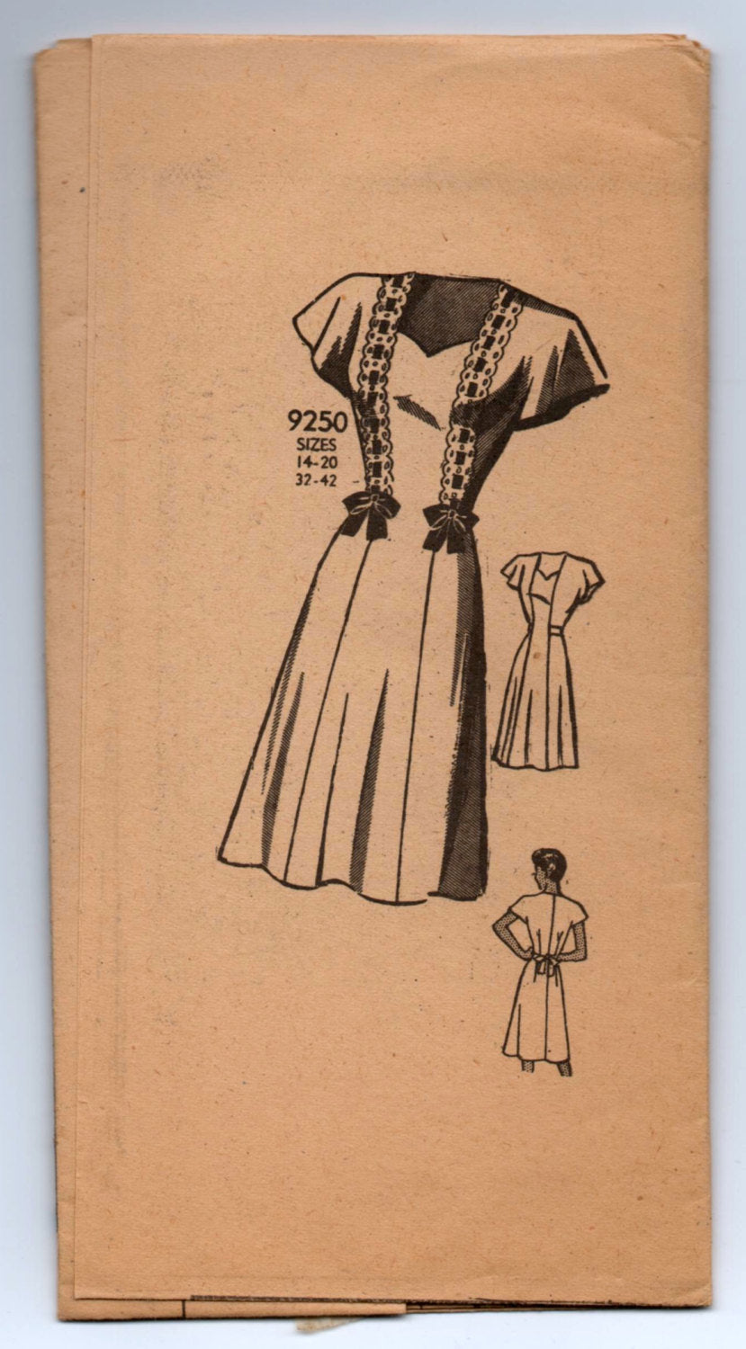 1940's Marian Martin One-Piece Dress with Cap Sleeves - Bust 38