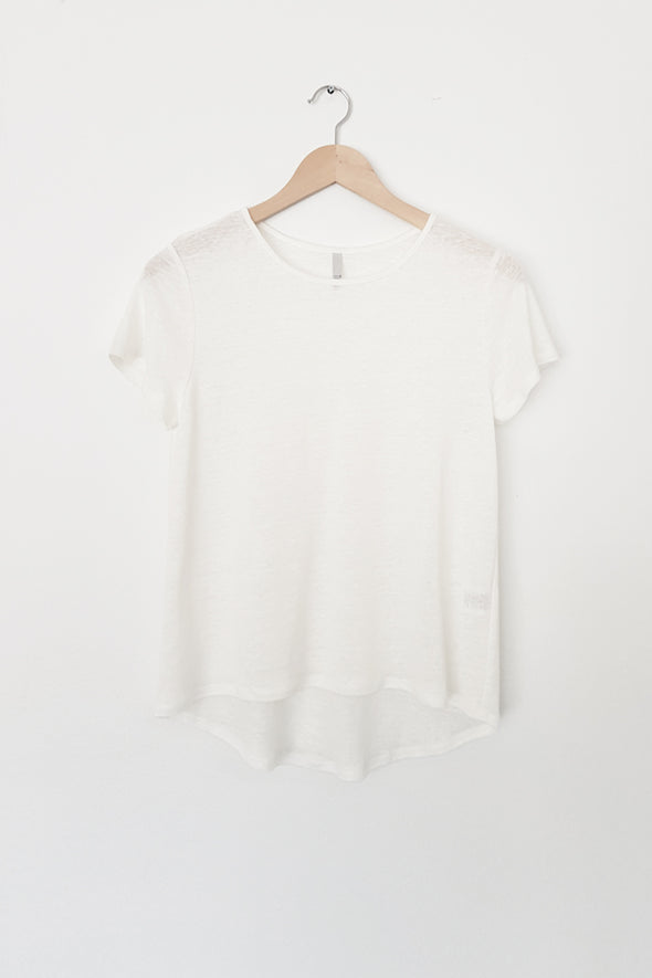 LINEN CURVED HEM TOP - Tluxe