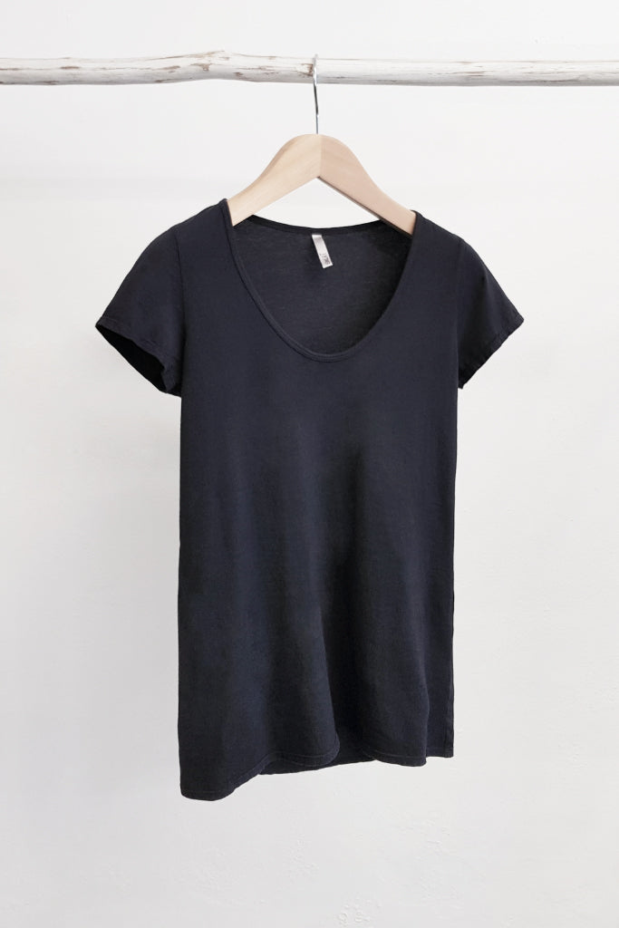 ORGANIC COTTON PERFECT TEE - GUNMETAL