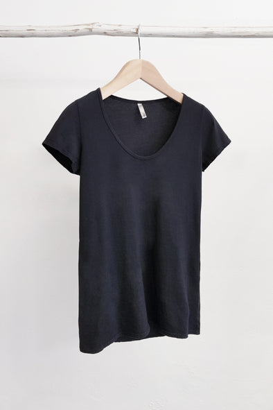 ORGANIC COTTON PERFECT TEE - GUNMETAL - Tluxe