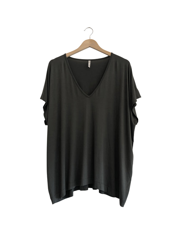 BAMBOO PONCHO TOP - BLACK - Tluxe