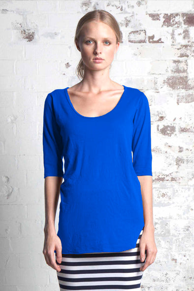 ORGANIC COTTON SCOOP HEM TOP - COBALT - Tluxe