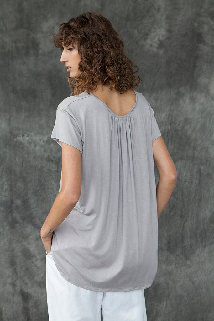SHAPED HEM TOP