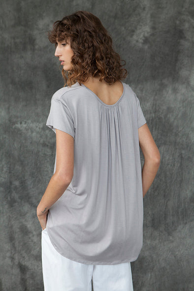 BAMBOO SHAPED HEM TOP - STONE - Tluxe