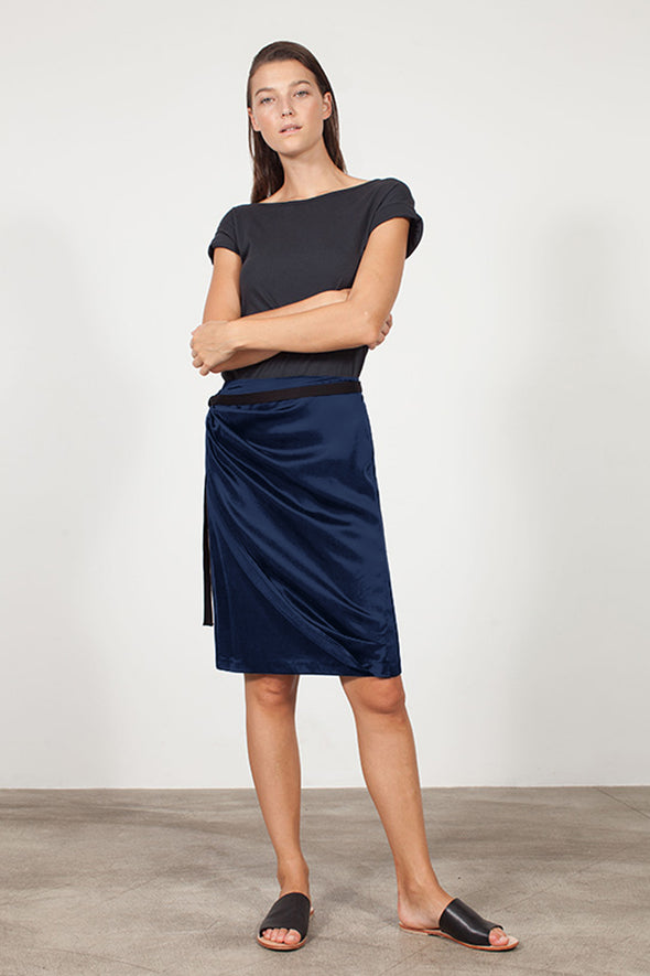 SILK WRAP SKIRT - NAVY - Tluxe