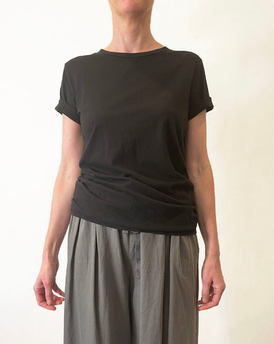 ORGANIC COTTON BOYFRIEND TEE - BLACK - Tluxe