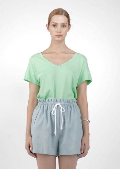 ORGANIC COTTON VEE NECK TEE - MINT - Tluxe