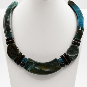 Classic marble resin collar necklace