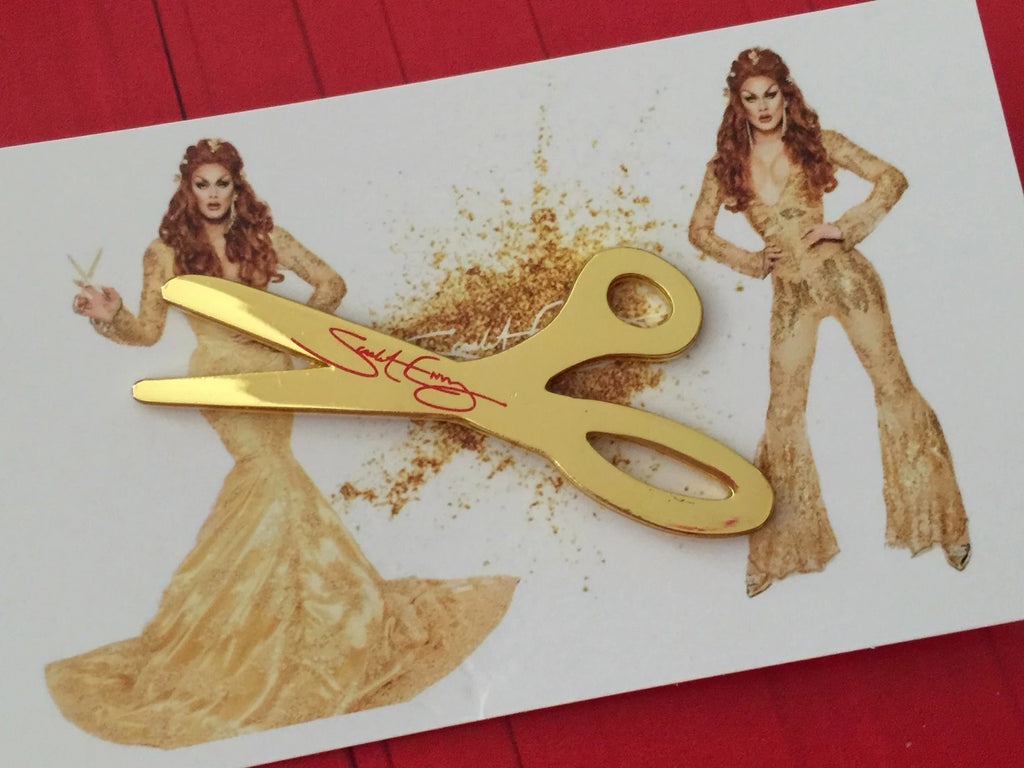 Scarlet's golden scissors pin