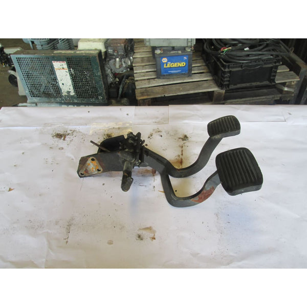 Caterpillar Gas And Brake Pedals - Parts