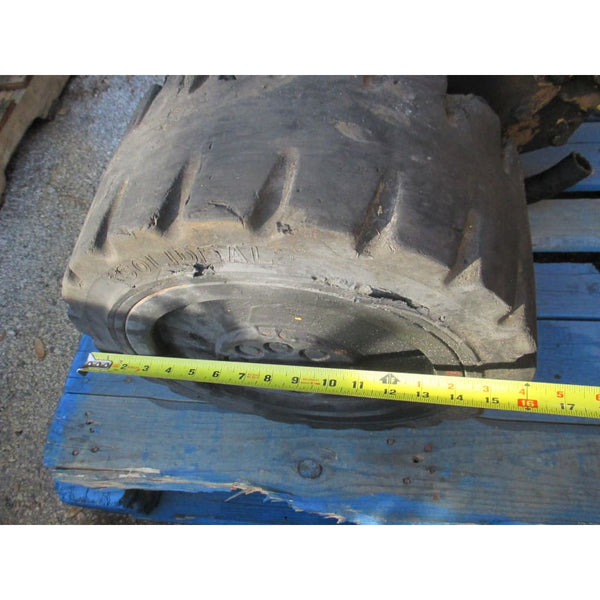 Caterpillar T40D 4000LBS Forklift Front Differential Axle Chunk w/ Wheels Cat - Parts