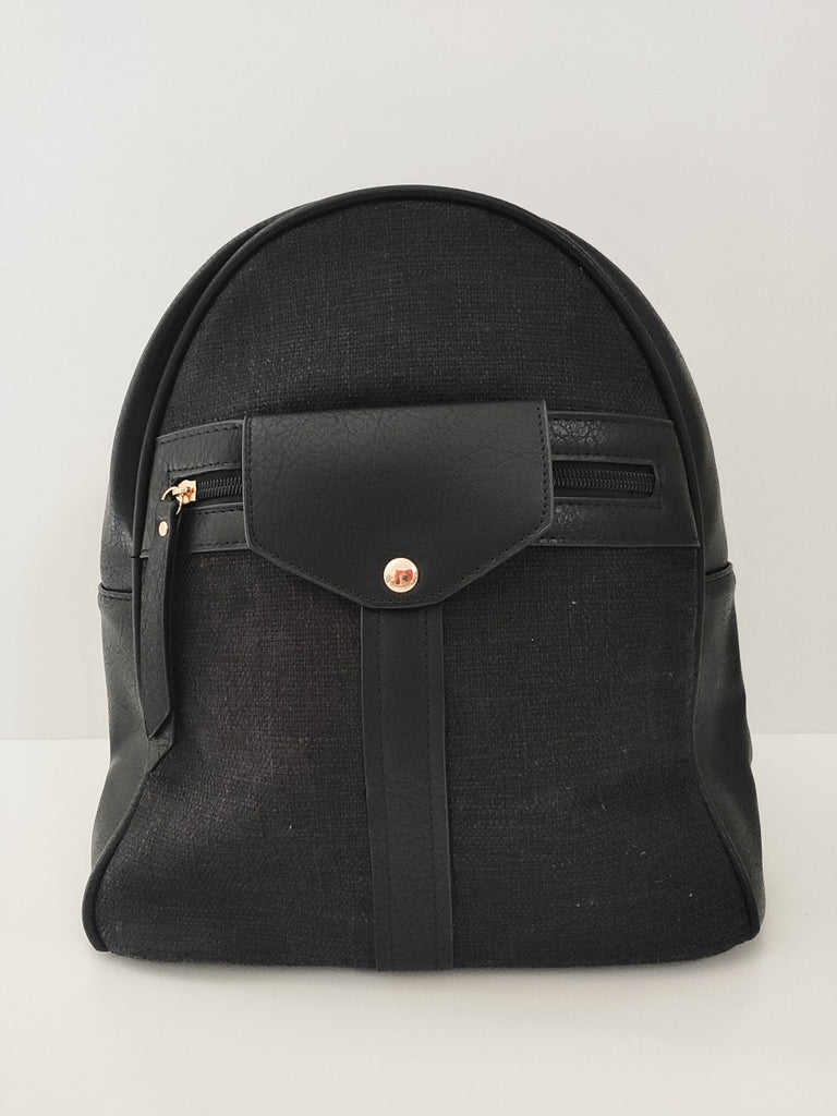 black-jean-backpack-with-zipper-frontside-in-a-white-background