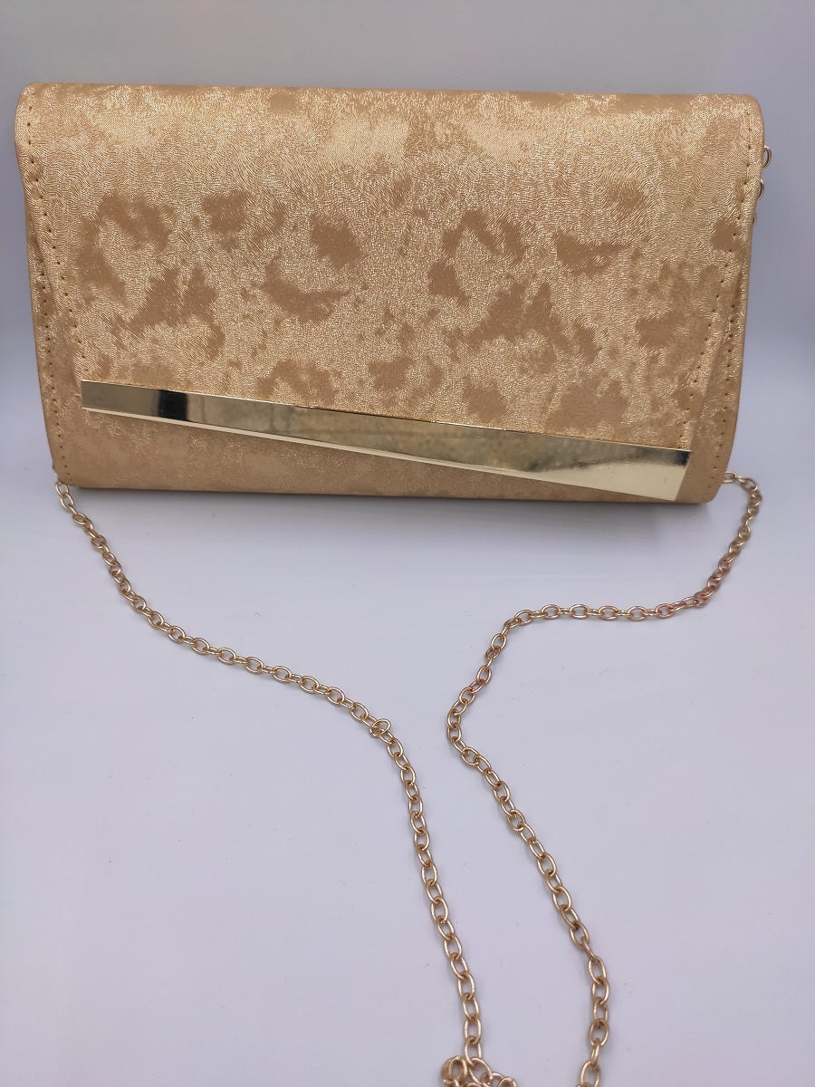 gold-envelope-with-gold-chain-frontside-grey-background