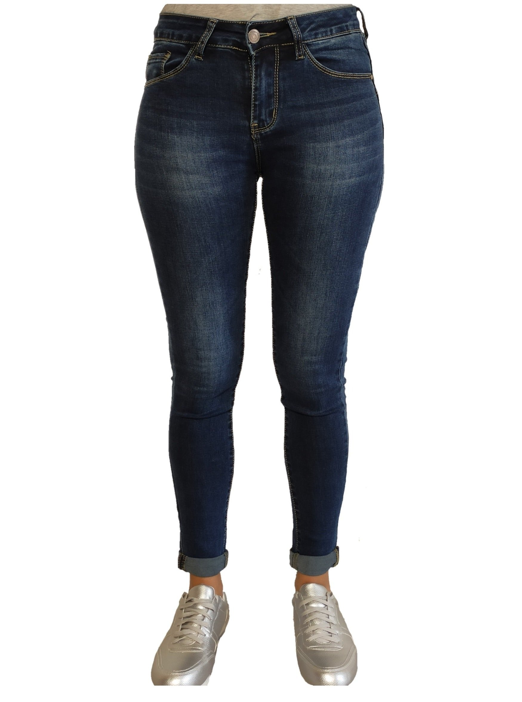 a-woman-wears-blue-jean-with-pushup-front-side