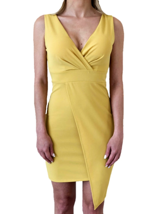 girl-wears-a-mini-yellow-dress-in-white-background