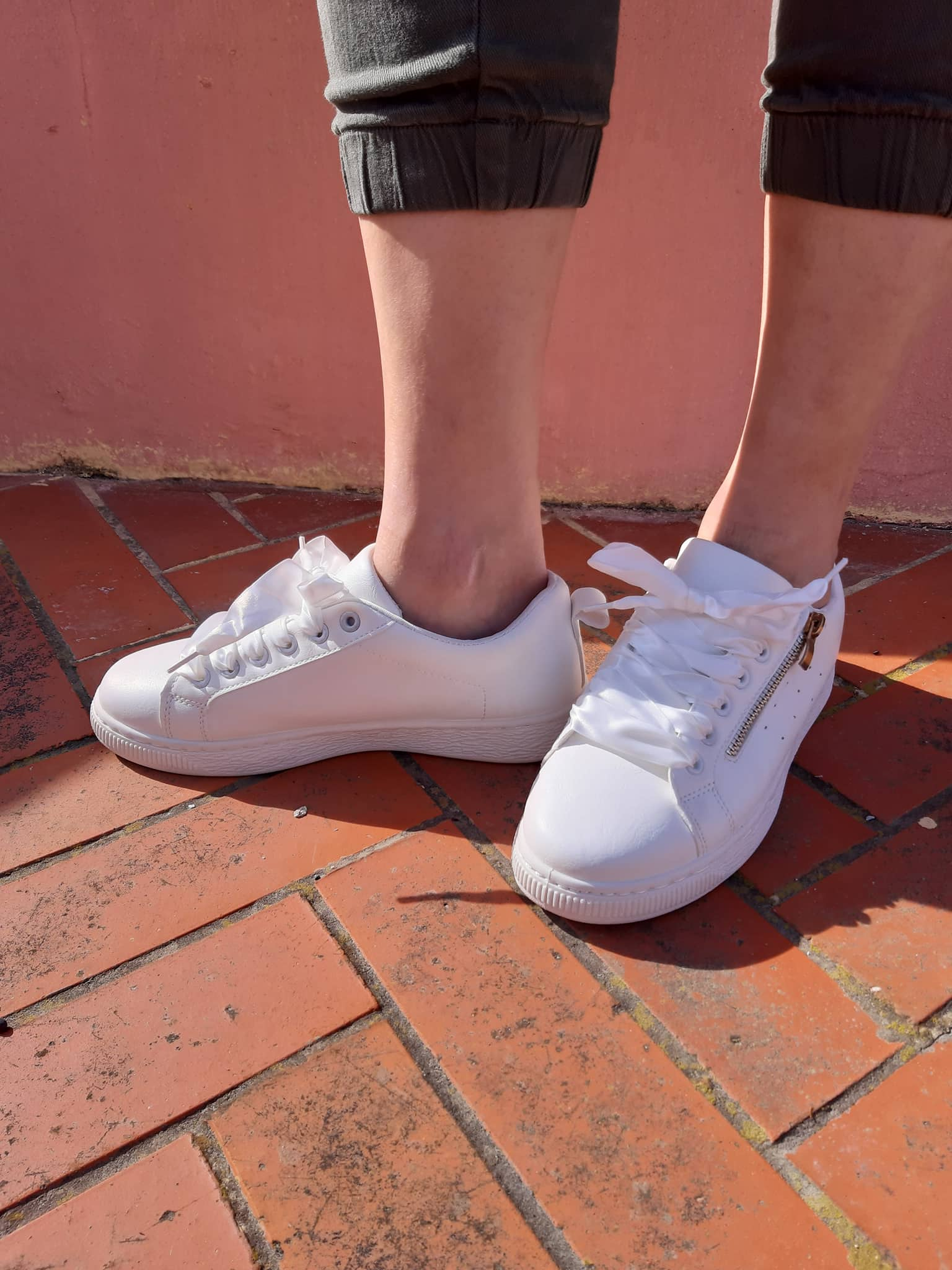 white-sneakers-with-gold-zipper-front-side