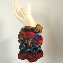 Load image into Gallery viewer, Zero-Waste Scrunchies (3 pack)