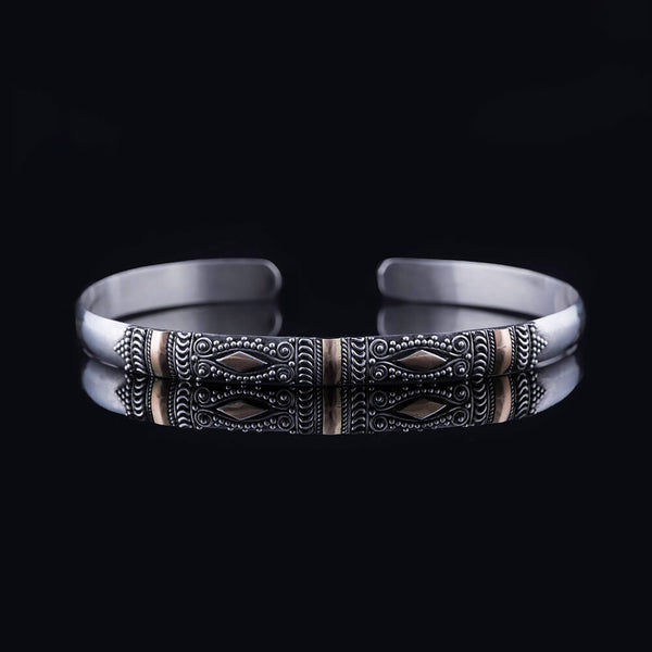 Guardian Band - Intricate Gold Diamonds