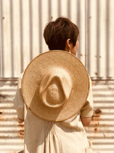 Load image into Gallery viewer, Desert Sun Hat -Golden Guatemalan Palm