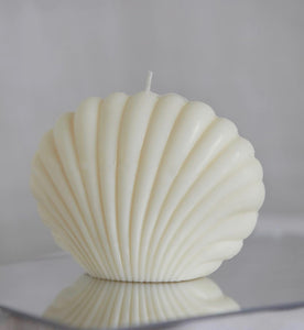 Cream Clam Candle