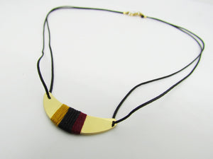 Collier or noir moutarde bordeaux
