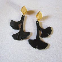 Load image into Gallery viewer, Boucles d'oreilles puces gingko biloba ecoresponsables