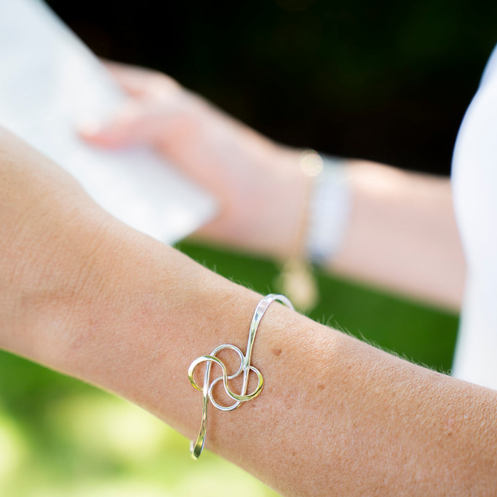 Cloverleaf Two Tone Bangle