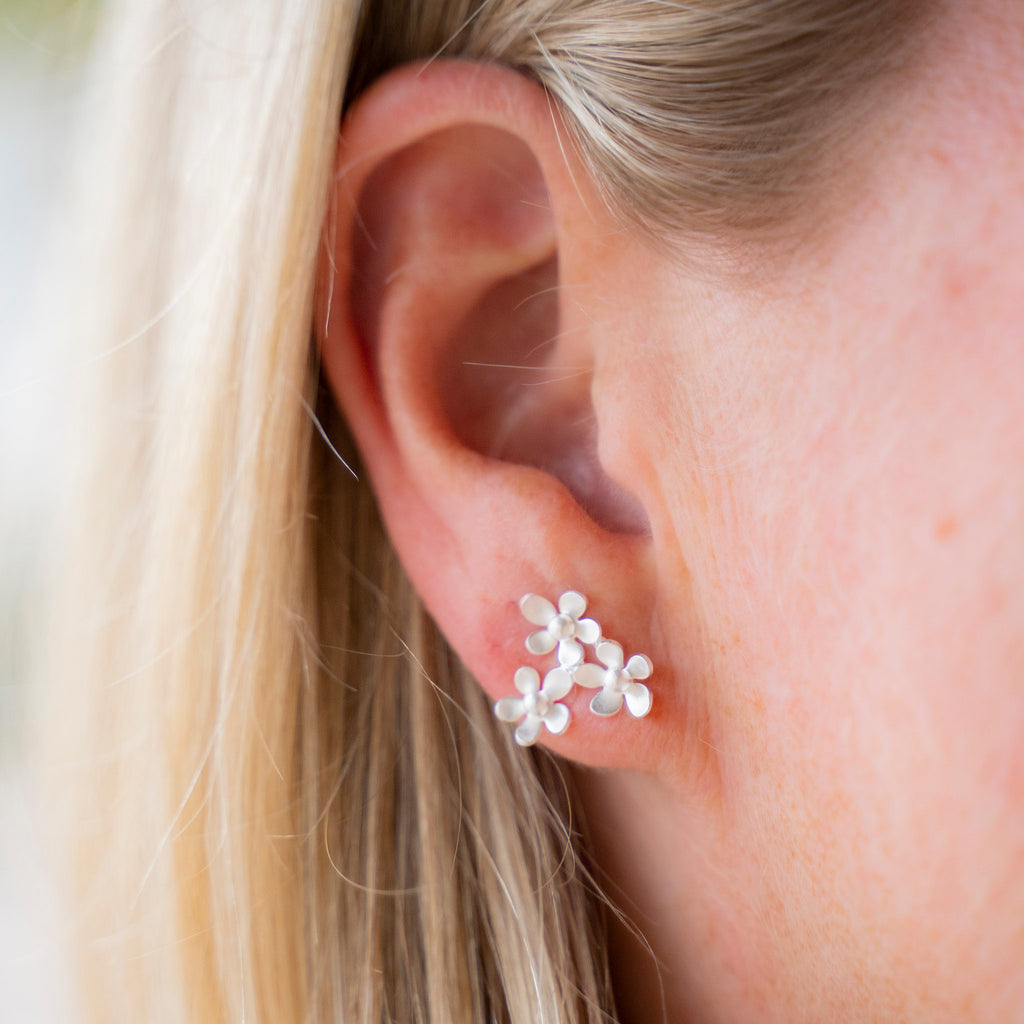 "Triple ""Forget me not"" stud earrings by Kelim"