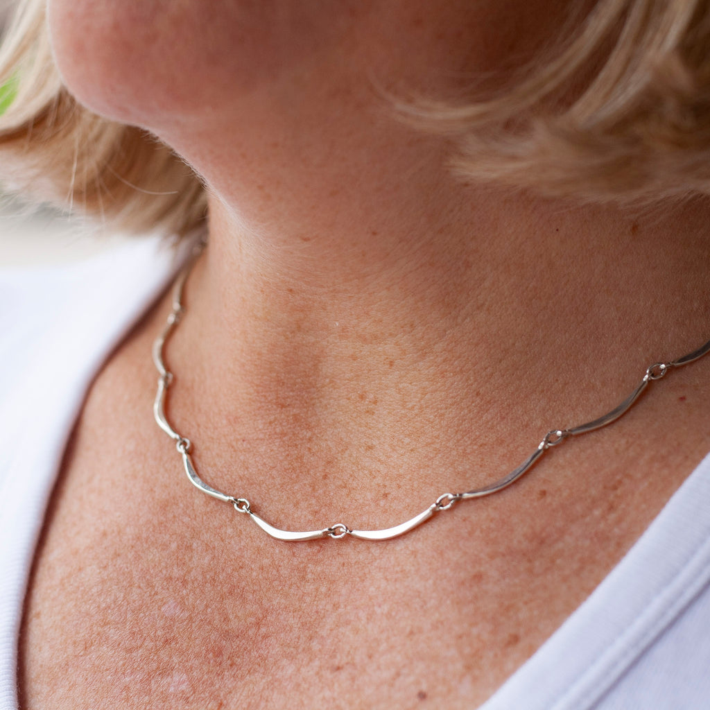 Scalloped Link Necklace