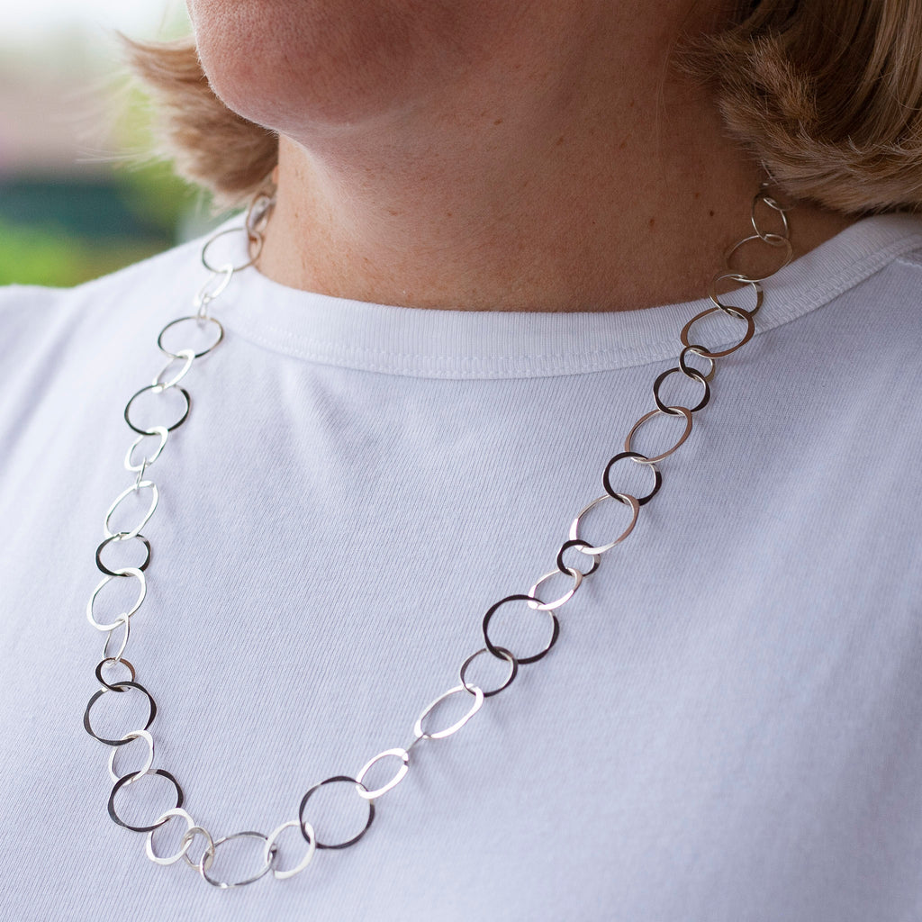 Varied Circle Link Necklace