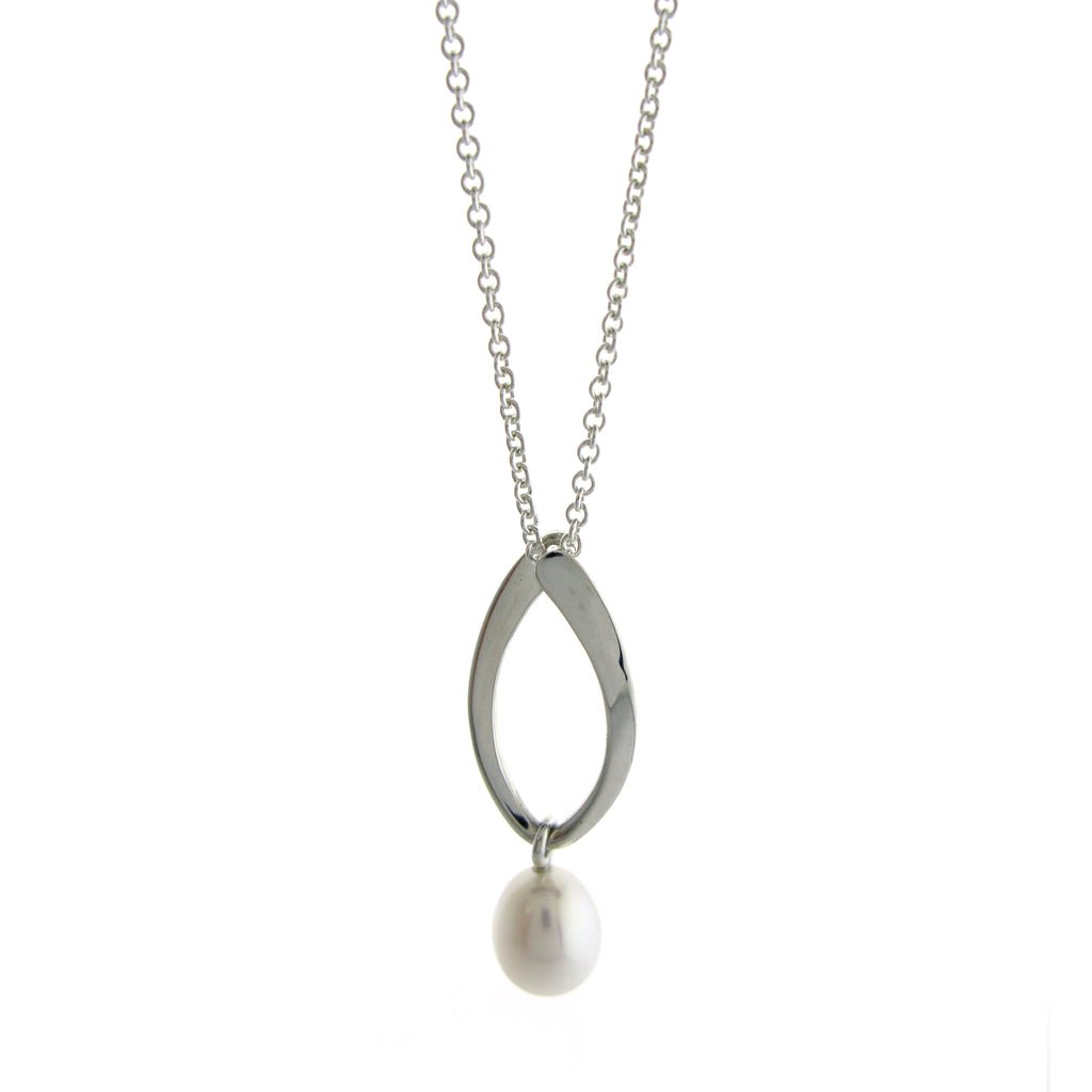 Hoop Freshwater Pearl Necklace