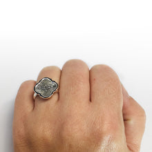 Load image into Gallery viewer, Silver Dove Ring