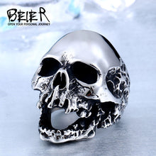Load image into Gallery viewer, Shiny Skull Mens Ring