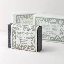 Load image into Gallery viewer, Agnes & Cat Coconut Butter Soap - Sea Salt & Moss