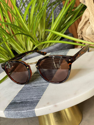 Load image into Gallery viewer, SAN FRANCISCO SUNGLASSES IN TORTOISE