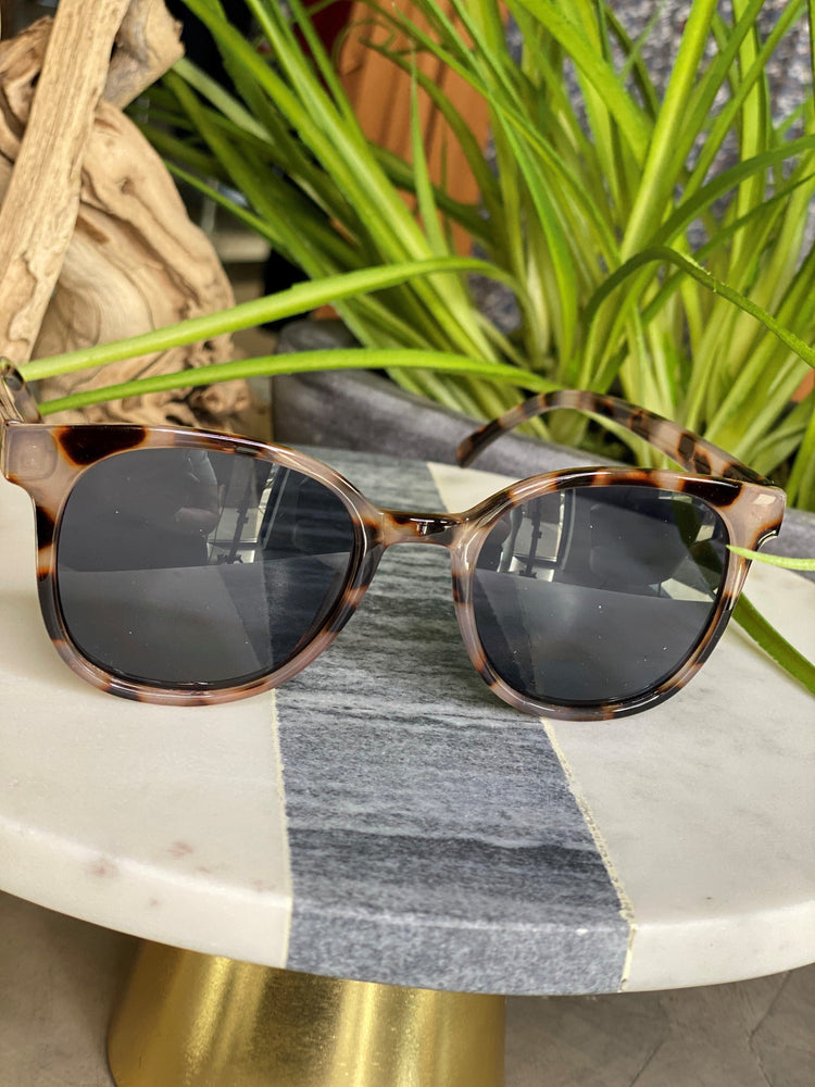 MYRTLE BEACH SUNGLASSES IN BEIGE TORTOISE
