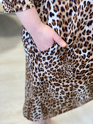 BREEZY ANIMAL PRINT MIDI DRESS