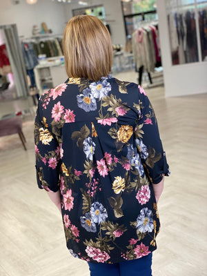 BREEZY FLORAL BLOUSE IN WARM MUTED COLORS