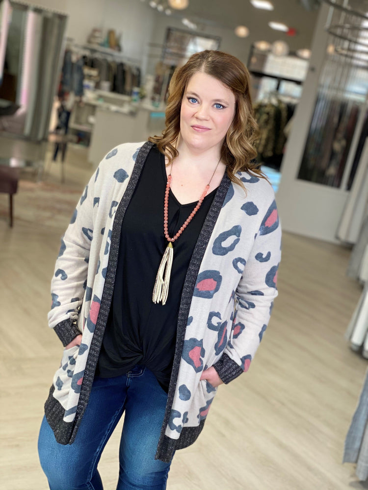 COZY LARGE ANIMAL PRINT CARDIGAN WITH SHIMMER DETAIL