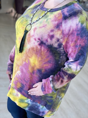 Load image into Gallery viewer, COZY TIE DYE RAGLAN TEE