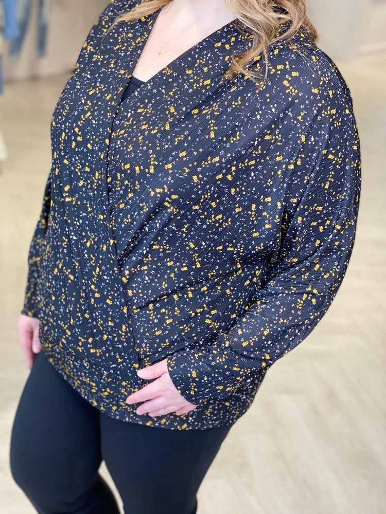 Load image into Gallery viewer, DAINTY FLORAL WRAP BLOUSE