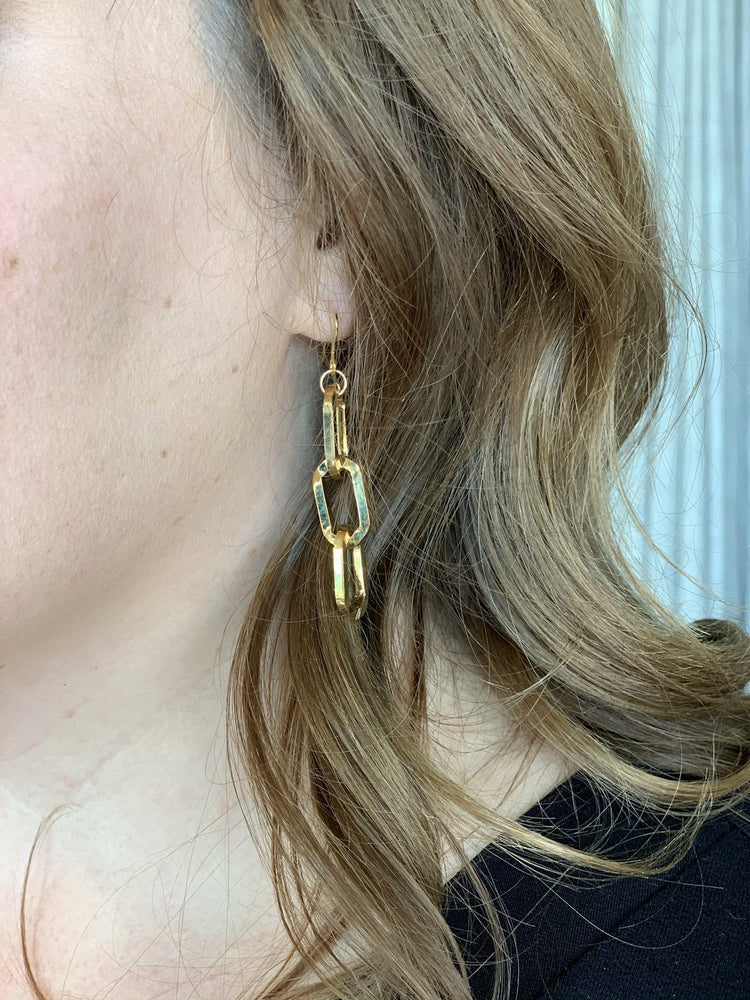 Load image into Gallery viewer, ELECTRA CHAIN EARRING