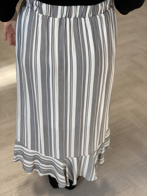 Load image into Gallery viewer, FLIRTY STRIPE MIDI SKIRT