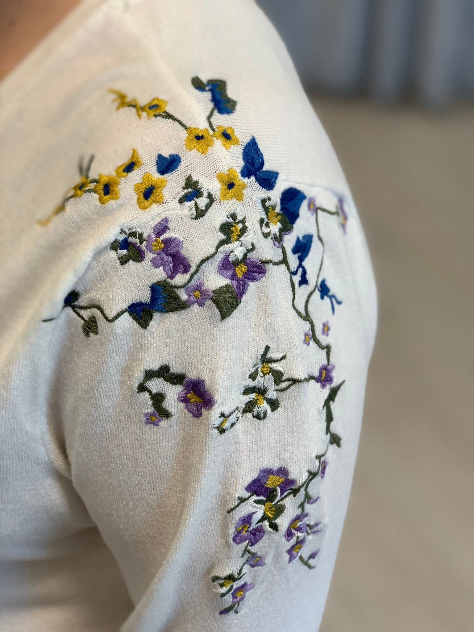 SWEATER WITH FLORAL EMBROIDERED SHOULDER